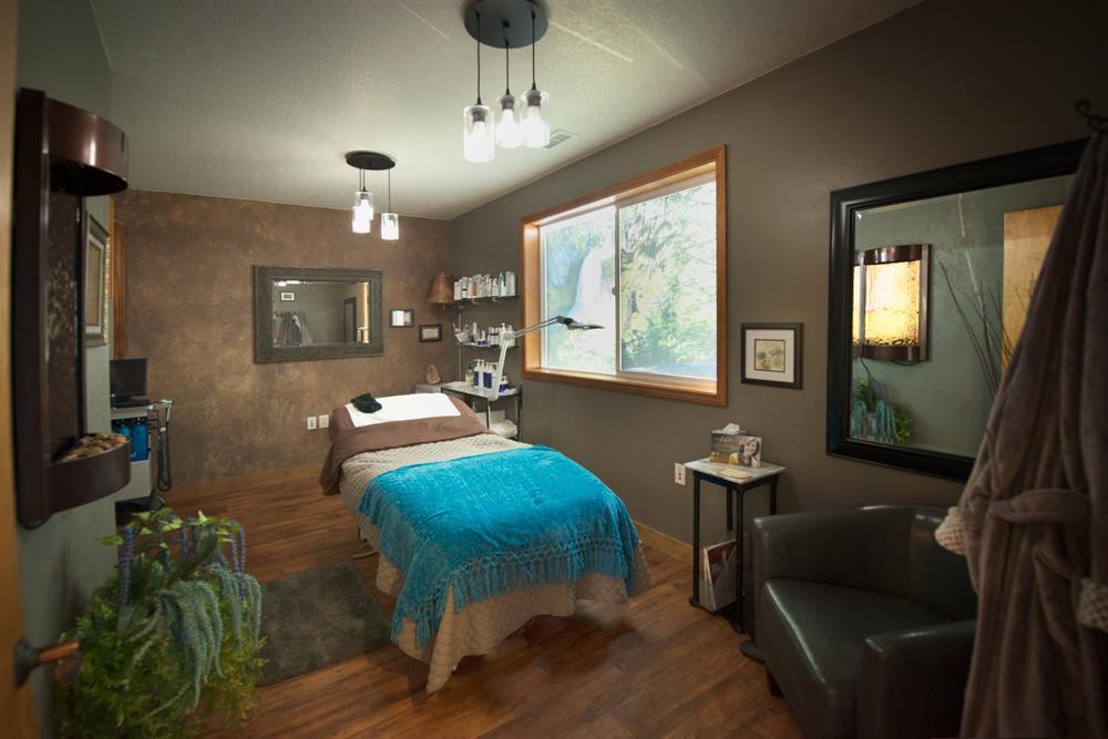 renew_esthetics_treatment_room (1)